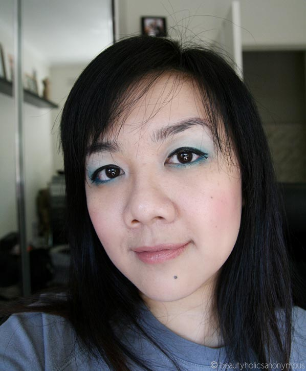 FOTD Featuring Australis IntensifEye in Out of the Blue