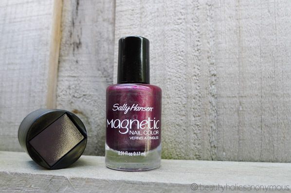 Sally Hansen Magnetic Nail Color in Red-y Response