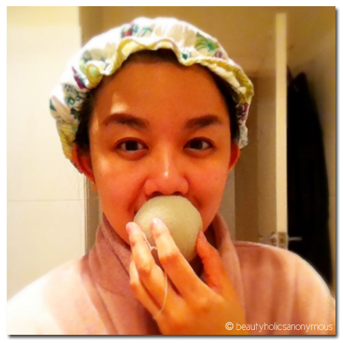 Quick Beauty Tip: Exfoliate Your Lips With the Konjac Sponge