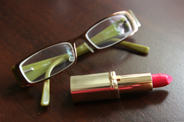 Makeup and Four Eyes: How To Work Makeup With Your Thick-Framed Glasses