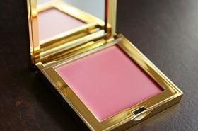 Discovering AERIN With What Else? A Blush Of Course! Say Hello To Sweet Pea