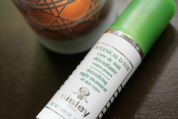 Sisley Botanical D-Tox Detoxifying Night Treatment: The Detox My Post-Holiday Skin Needed