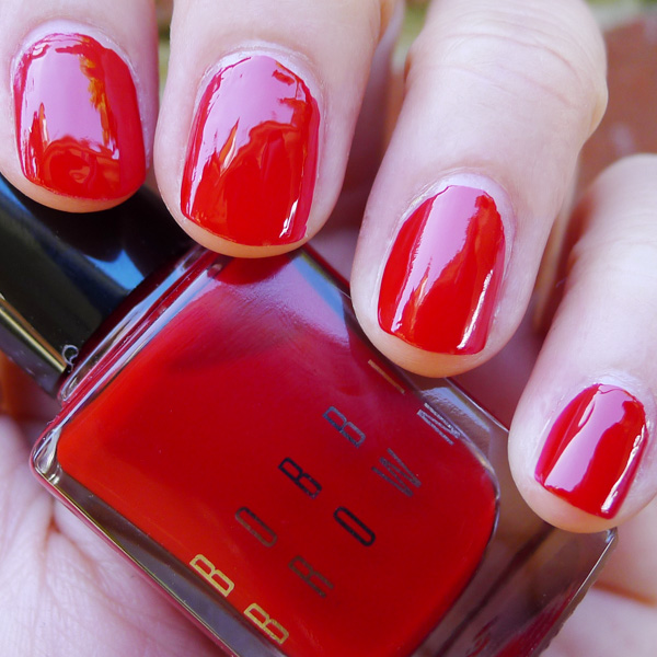 Bobbi Brown Nail Polish in Siren Red