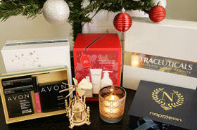 Beautyholics Anonymous Celebrates Christmas With A Redonkulously Massive Giveaway!