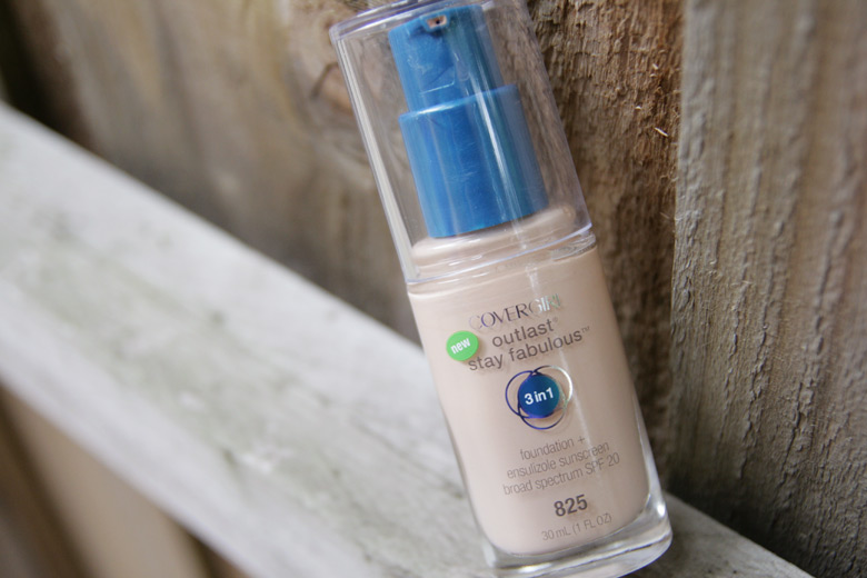 Cover That Skin, All Of It, With Covergirl's Outlast Stay Fabulous 3-in-1 Foundation