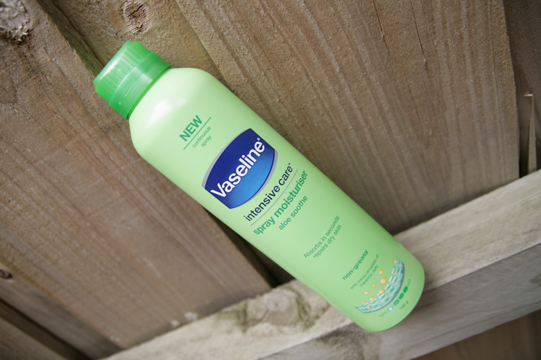 Quickie Mention: Vaseline Intensive Care Spray Moisturiser in Aloe Soothe