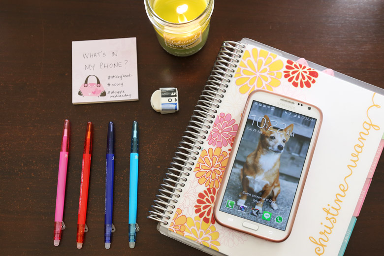 Bloggie Wednesday: What's In My Phone?