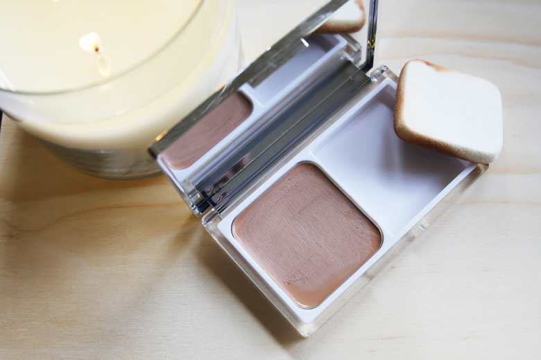 Clinique Moisture Surge CC Cream Compact: Many Cs in the Name And It's A Cracker of A Compact!