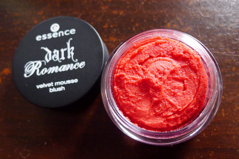 Essence's Dark Romance Velvet Mousse Blush in Painted Love