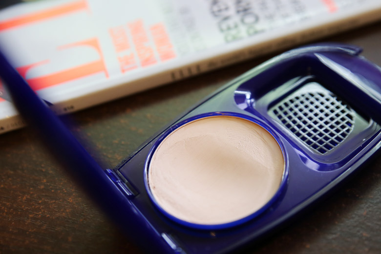 Covergirl Aquasmooth Makeup Discovering A Compact