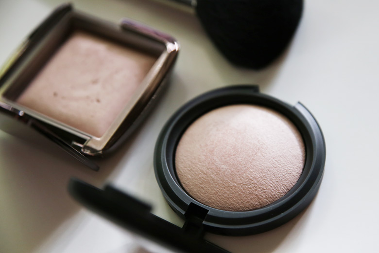 Models Prefer Mineral Powder Soft Touch Powder in Photo Ready and Hourglass Ambient Lighting Powder in Mood Light