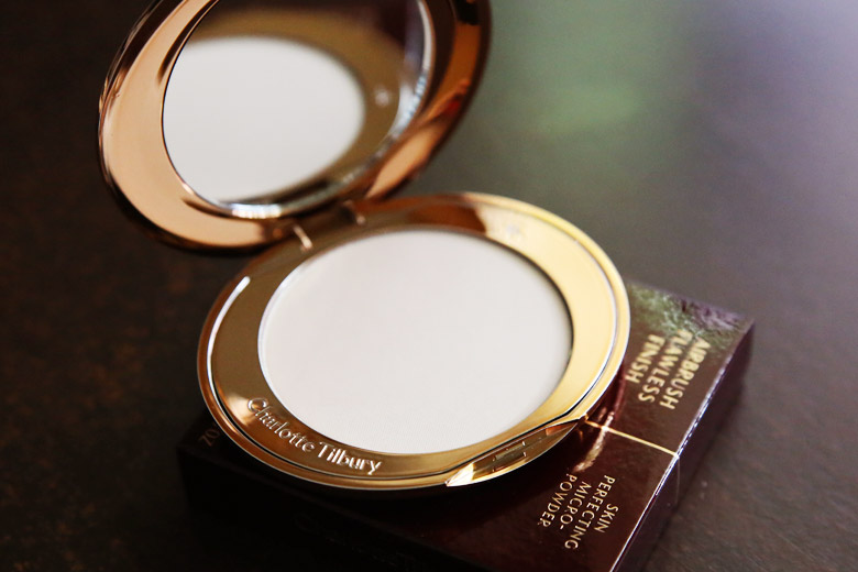 Hello Airbrushed Skin with Charlotte Tilbury's Airbrush Flawless Finish Skin Perfecting Micro-Powder
