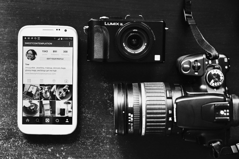 Bloggie Wednesday: The Debate Of Using Cameras Other Than The Phone's For Instagram