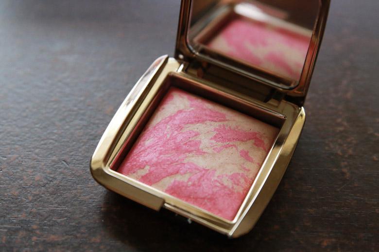 Hourglass Ambient Lighting Blush in Luminous Blush