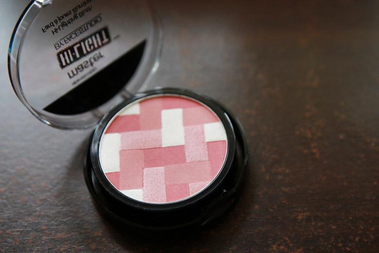 Maybelline Master Hi-Light by Facestudio Highlighting Blush in 20 Pink Rose