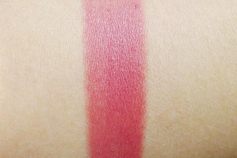 Elizabeth Arden Beautiful Colour Moisturising Lipstick in Rose Petal Matte Swatch