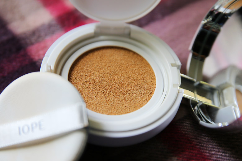 IOPE Air Cushion Foundation