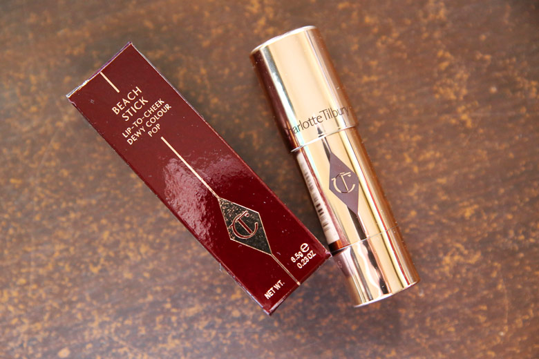 Charlotte Tilbury Beach Stick Lip-to-Cheek Dewy Colour Pop in Es Verda