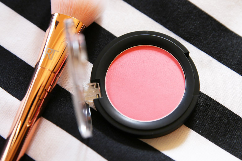 All Perky And Rosy With EGLIPS' Apple Fit Blusher